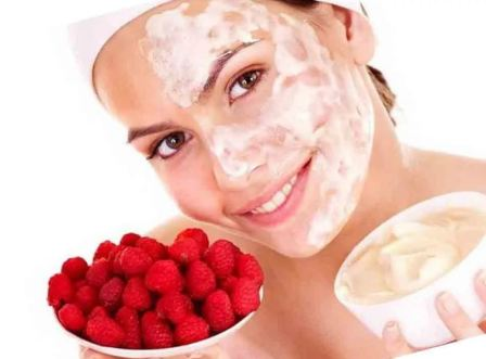 Клубничная маска для лица