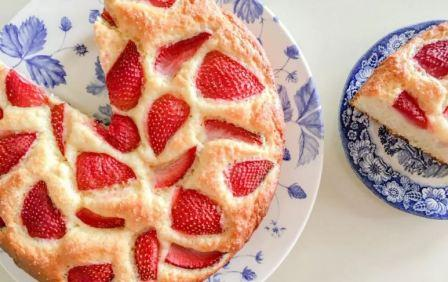 Пирог +с клубникой: рецепт с фото